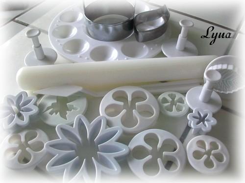 Fondant à la guimauve ou pâte à sucre pour recouvrir ou décorer des gâteaux Pate_s13