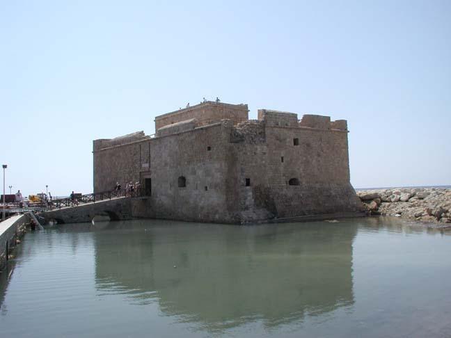 fort de paphos, chypre - Page 2 Castle12