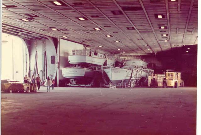 CV66 USS AMERICA au 1/72 ! - Page 2 4410