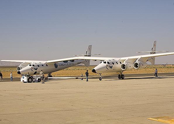 Aviões 'siameses' levarão nave de turismo ao espaço 01517424