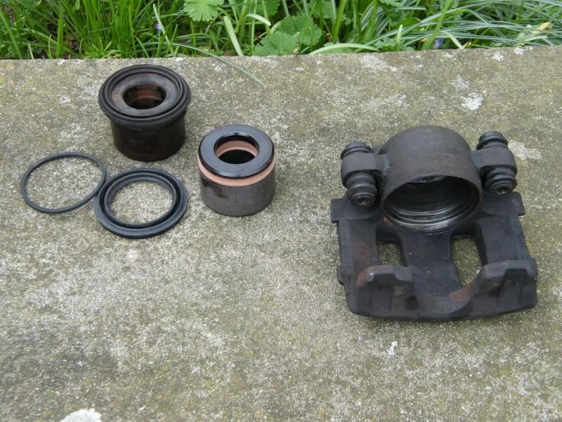 remplacement piston et  joint d'etrier de frein AV sur ZJ Dtue8810