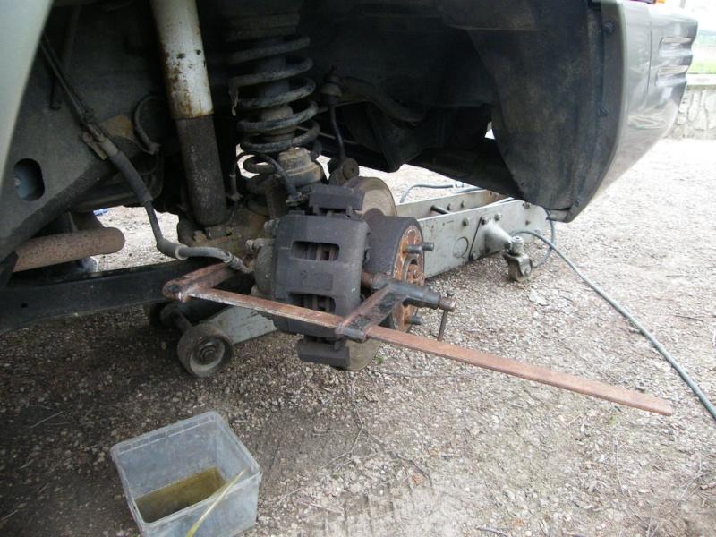 remplacement piston et  joint d'etrier de frein AV sur ZJ Nuu5e-10
