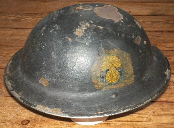Ma petite collection de casques Anglais provenant du Calvados  100_4216