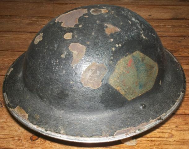 Ma petite collection de casques Anglais provenant du Calvados  100_4217