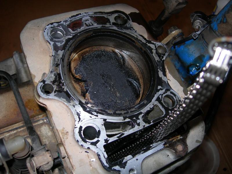 Revisione gommini guidavalvole e smerigliatura sedi Dscn7016