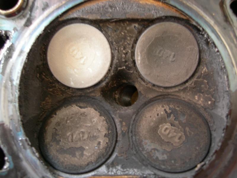 Revisione gommini guidavalvole e smerigliatura sedi Dscn7020