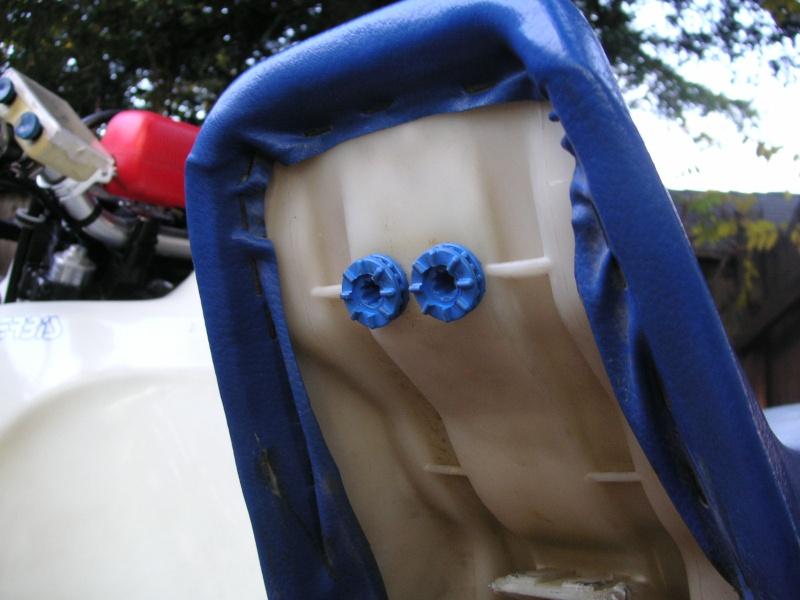 Serbatoio maggiorato xr400 su dr350 Seat_r10