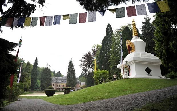 ling - Jeudi 24 mai 2012, visite de Sa Sainteté le Dalaï Lama à l'Institut Yeunten Ling, Huy, Belgique - Page 4 20120510