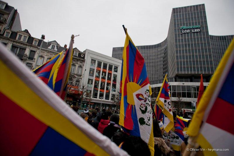 Manifestation pour le Tibet à Bruxelles - Page 2 42162310