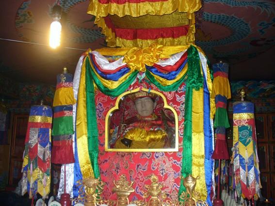 Tenga Rinpoché a quitté son corps ce matin 30 mars Kudung10