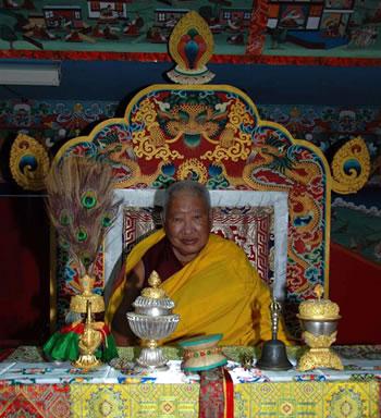 Taklung Tsetrul Rinpoché, actuel Chef des Nyingmapa Kyabje10