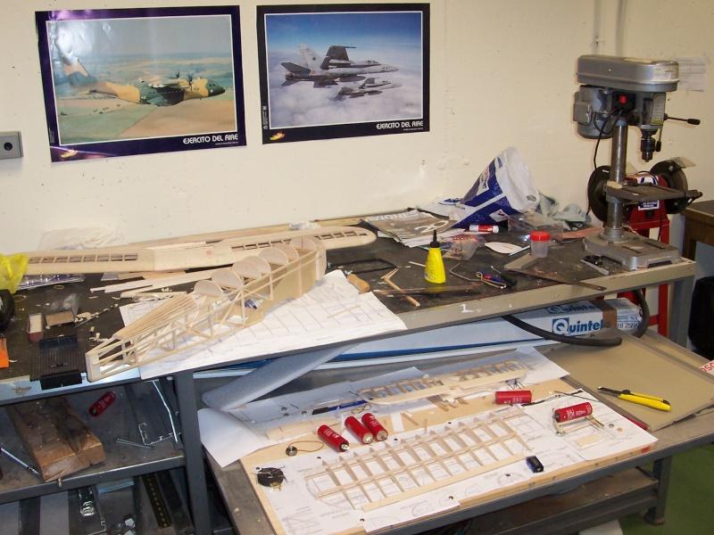 FOTOS SUBIDAS Construcción biplano Hawker Tomtit 5-02-216