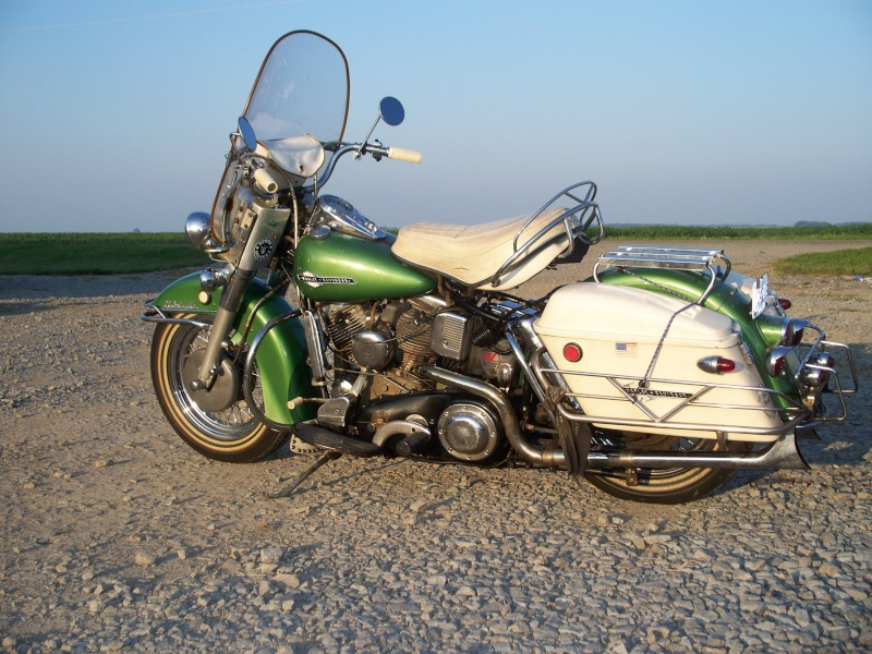 Les vieilles Harley......... (ante 84) - Page 39 100_4910