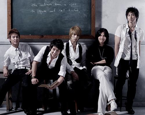 Penyanyi solo or group Korea pilihan korg.. - Page 2 23440110