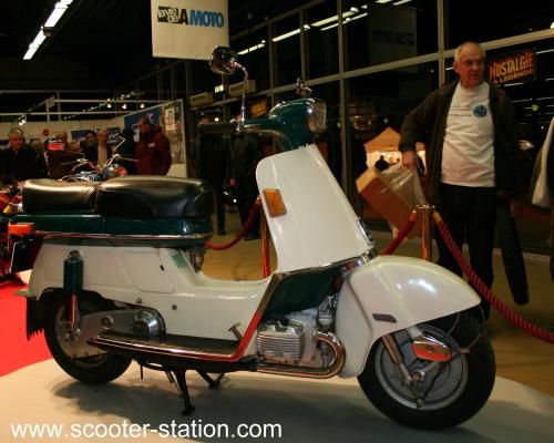 Késako ------ Scooter V2 ? ? ? Moto_l12