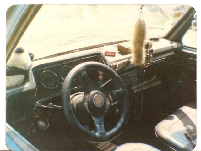Photos de quelques anciennes............voitures! - Page 2 Ma_sim11