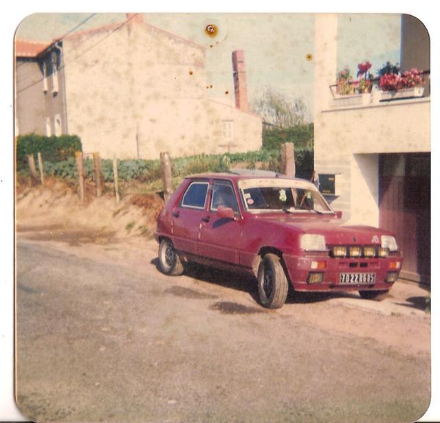 Photos de quelques anciennes............voitures! - Page 2 Mon_r_10