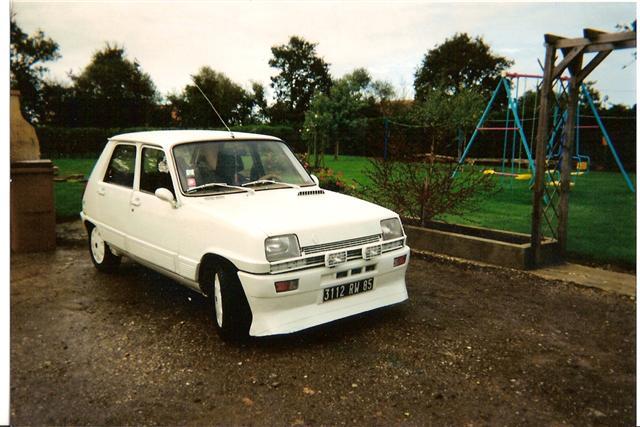 Photos de quelques anciennes............voitures! - Page 2 Mon_r_11