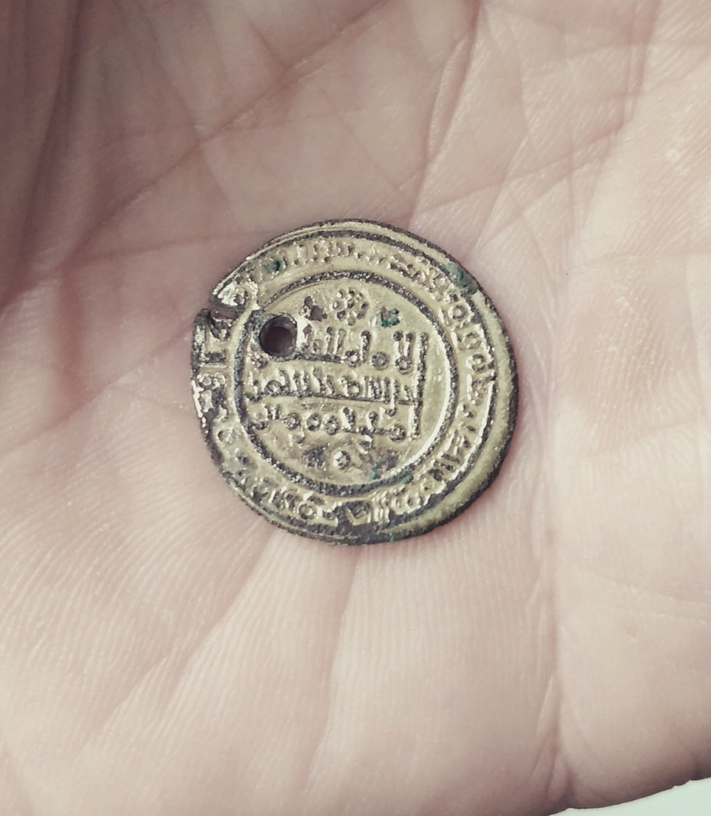 Dinar falso de epoca de Abdarramán III, 343 y 346 a 350 H Img_2019