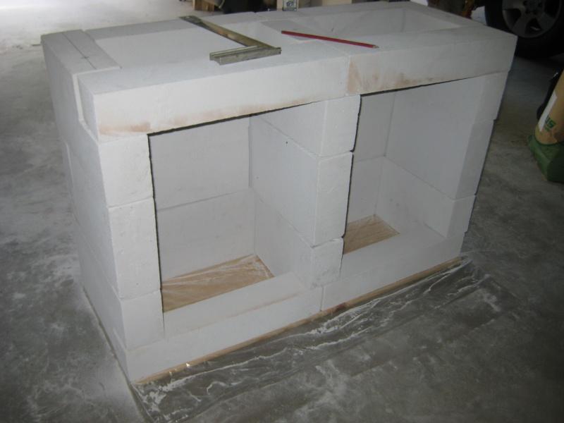 Construction d 39 un meuble aquarium en b ton cellulaire - Meuble beton cellulaire ...