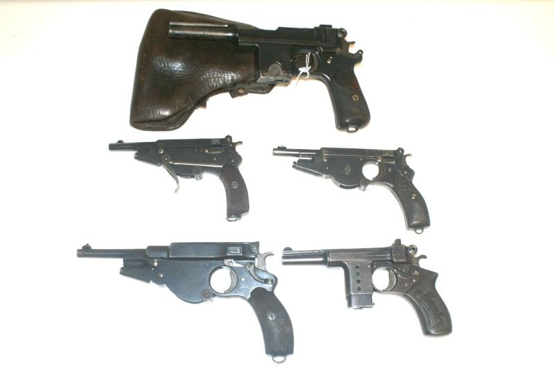 Evolution des pistolets Bergmann Dsc09210