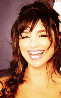 Crystal Reed 830