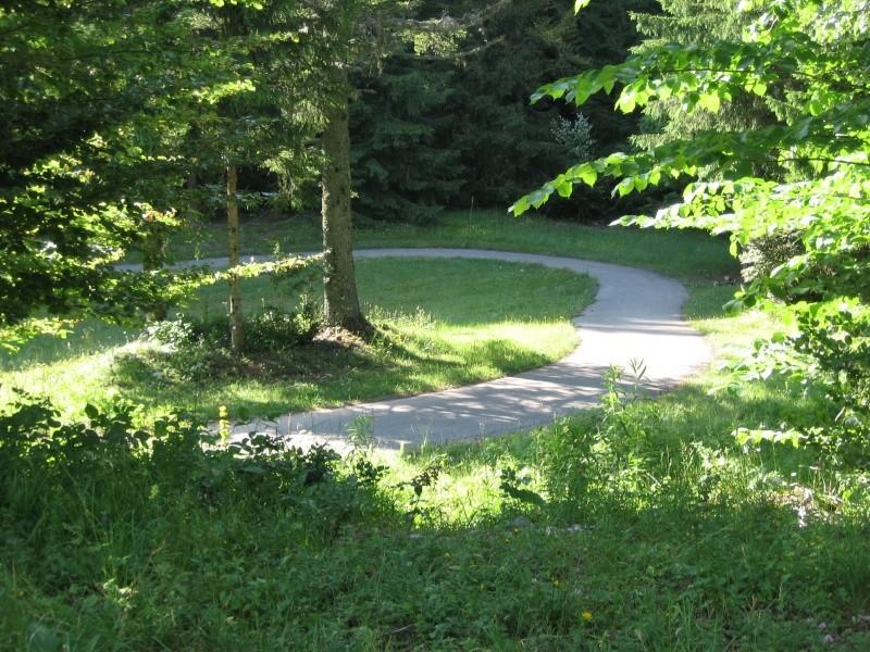 Stade de biathlon Vassieux en Vercors dans la Drôme-piste goudronnée Img_0821