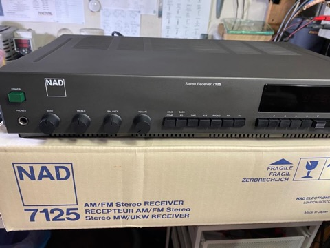 NAD 7125 stereo receiver amp (NOS) D0567a10