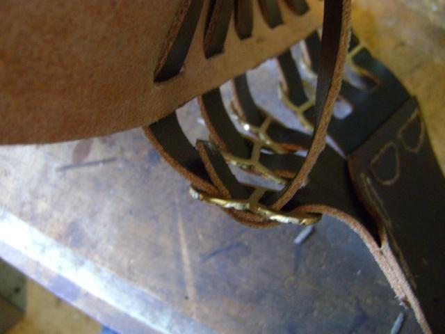 Confectionner un baudrier de rapière XVII°. Dsc05525