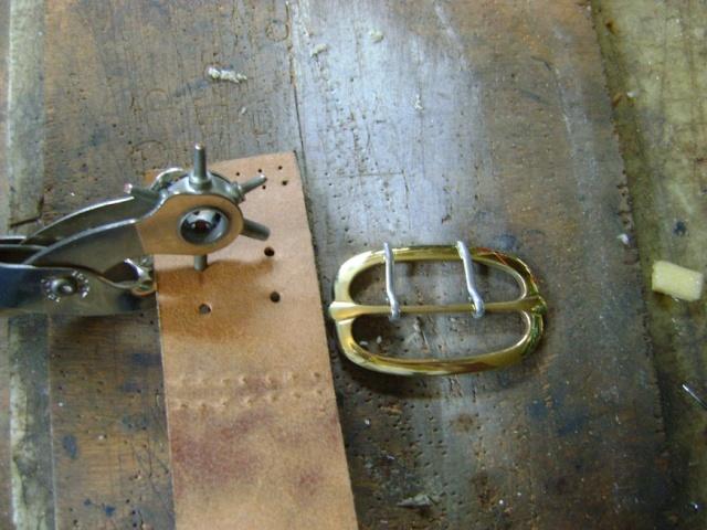 Confectionner un baudrier de rapière XVII°. Dsc05527