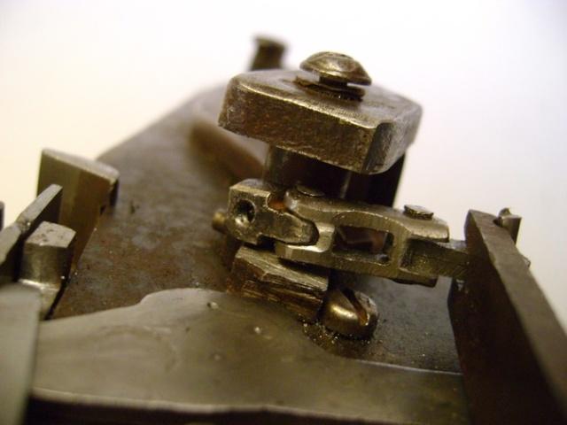Reproduction de platine à rouet. Dsc06106