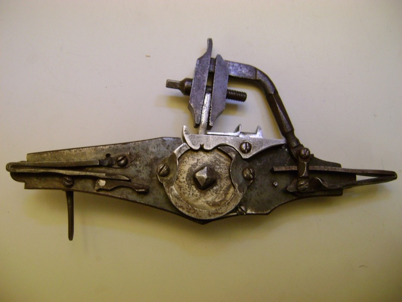 Reproduction de platine à rouet. Dsc06297