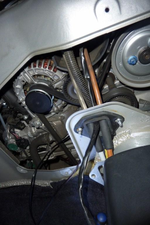 Chaleur moteur dans l'habitacle (appui coude) 025_1013