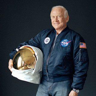 Buzz Aldrin - Photos et documents rares, inédits, peu courants Aldhel11