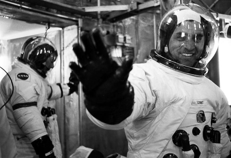 Apollo 17 - La mission - Rares Documents, Photos, et autres ... Ksc-7211