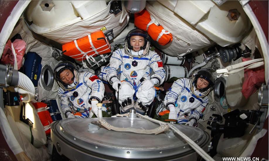 16 juin 2012 - Shenzhou 9 : nouveau vol Chinois habité Sans_t30