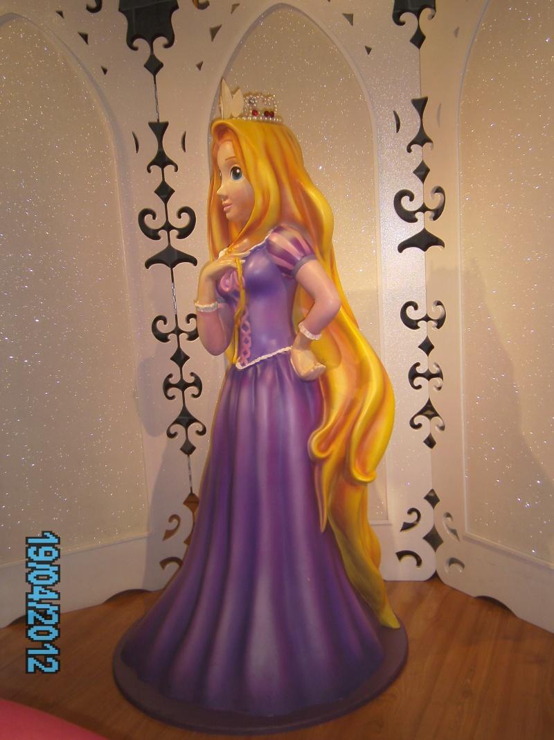 [Disney Store] 2012 : l'Année des Princesses - Page 12 Pict2115