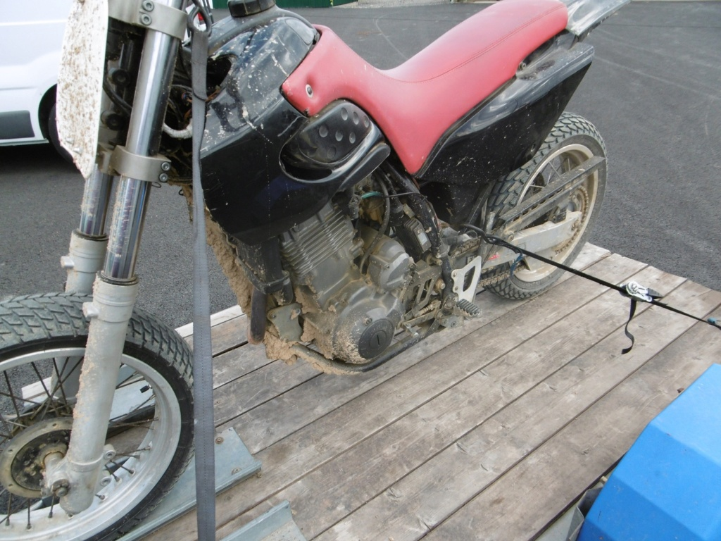 ETZ 250 flat track façon puzzle - Page 2 Martin24