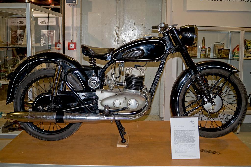 La RT200 de 1951 Rt_25011