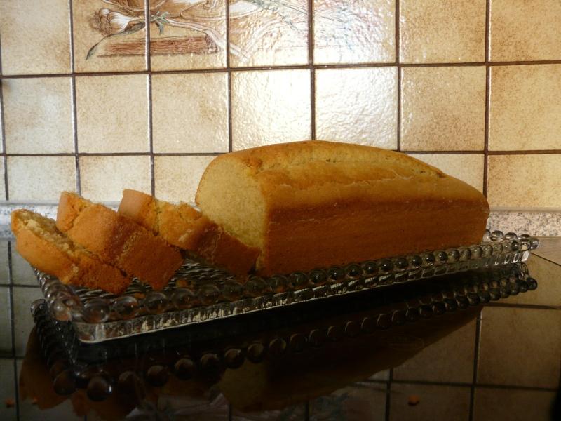 """Le cake """"vite fait"""" de Minouche P1060812"""