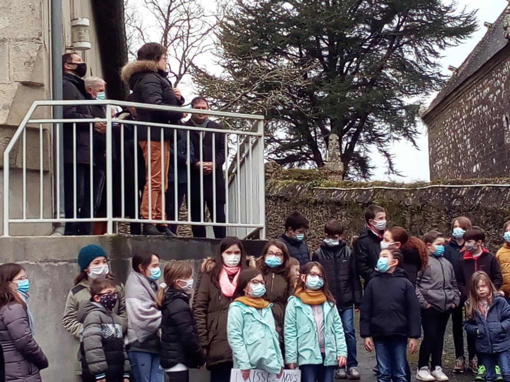 L'ECOLE SAINTE-THERESE MENACEE DE FERMETURE  Img_2021