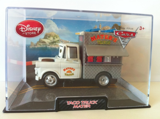 [DS] Petite collection Cars 2 Disney Store - Page 6 Mater_19