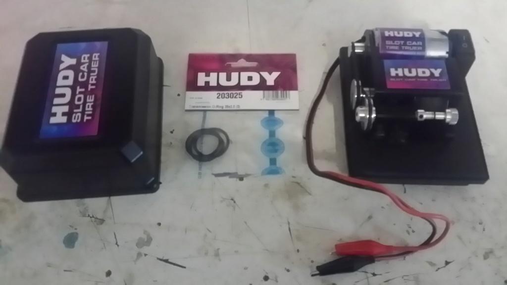 (VENDU) MR03 VE PNRACING + Tour à pneu Hudy 20190514