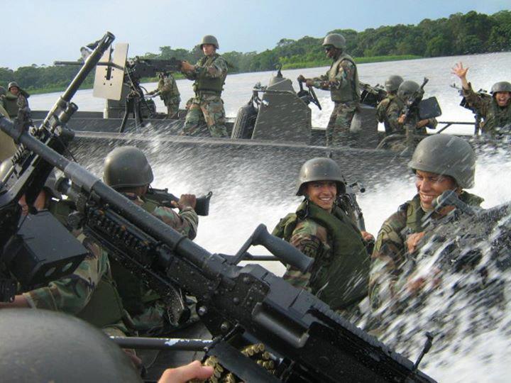 Armée Colombienne 1416