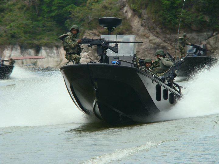 Armée Colombienne 817