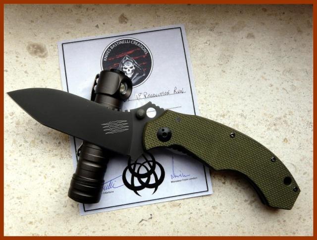 La vitrine aux couteaux... 36611