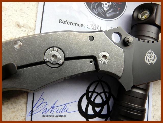 La vitrine aux couteaux... 366b11