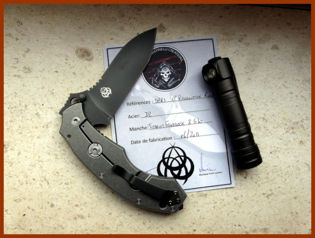 La vitrine aux couteaux... 366g10