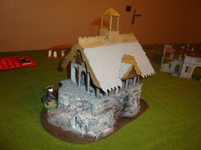 Table de jeu et décors (maison de fondcombe,echafodage ...) Dsc05612