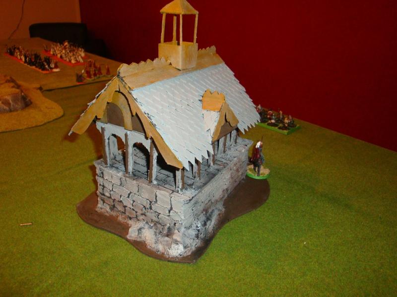 Table de jeu et décors (maison de fondcombe,echafodage ...) Dsc05614